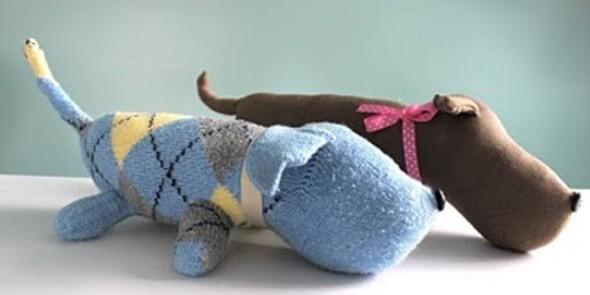 Como fazer um boneco com meias de algodão 009