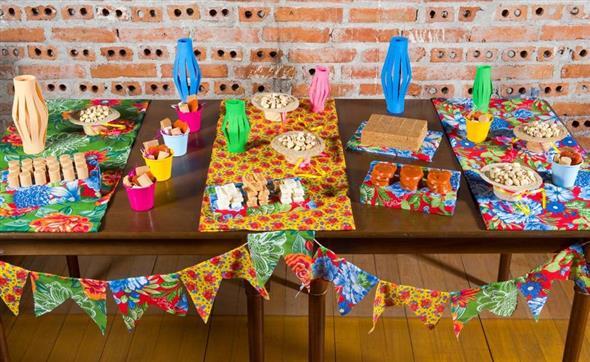 Aprenda a montar a decoração de Festa Junina 003