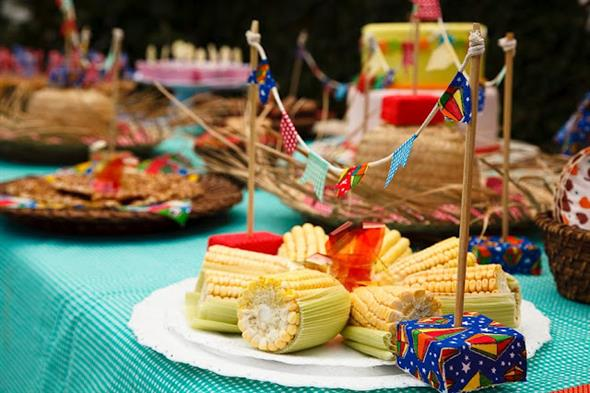 Aprenda a montar a decoração de Festa Junina 005