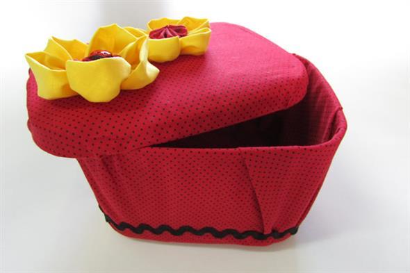 Como fazer um porta-treco com potes de sorvete 012