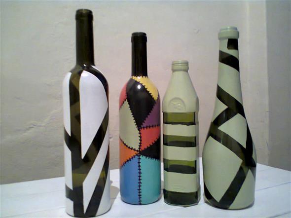 Pintura em garrafas de vidro com fita adesiva 006