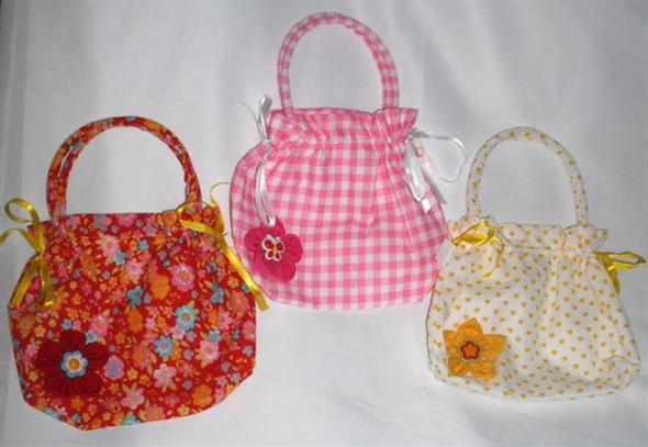 Bolsinha de tecido artesanal 004