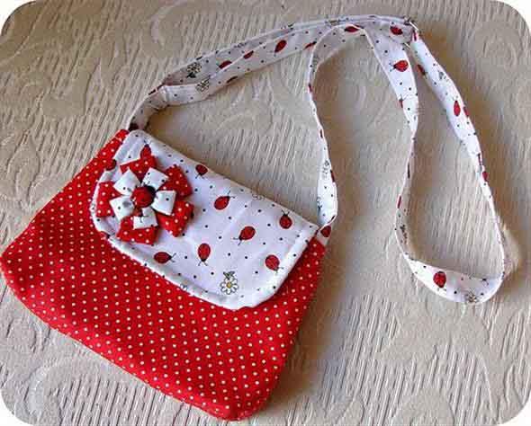 Bolsinha de tecido artesanal 013