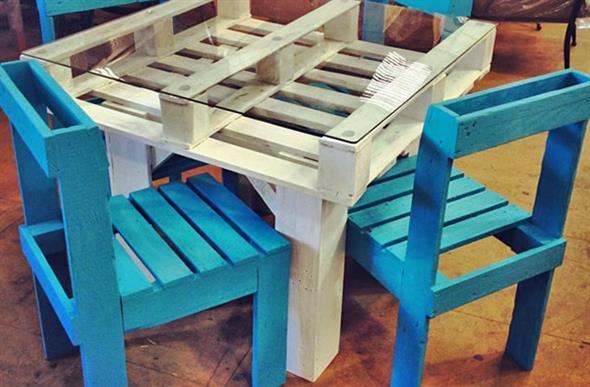 Como fazer uma mesa de paletes 001