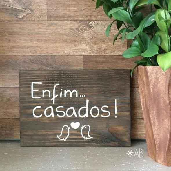Como fazer uma plaquinha rústica de madeira 002