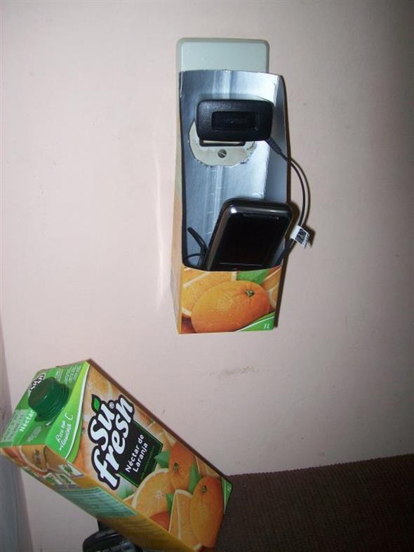 Porta celular de tomada 010