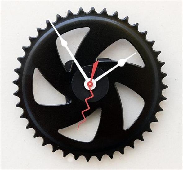 Relógio artesanal criativo 013
