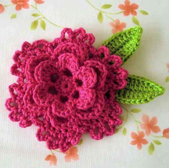 como-fazer-flor-de-croche-004