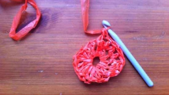recicle-sacolas-plasticas-com-dicas-de-artesanato-003