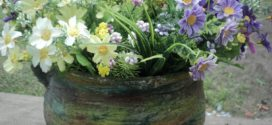 Panelas antigas podem virar vasos lindos
