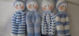 Bonecos feitos com meia