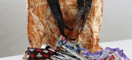 Bolsas e almofadas feitas com sombrinhas velhas