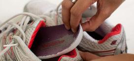 Cuidados com sapatos e tênis para evitar mau cheiro